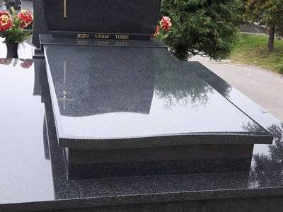 Grobowiec podwójny 11