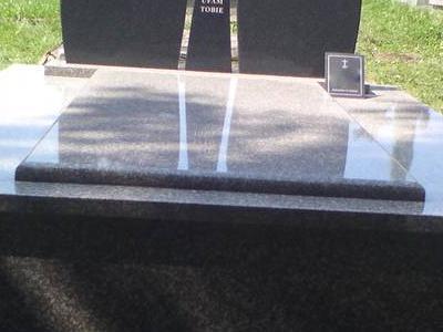 Grobowiec podwójny 12