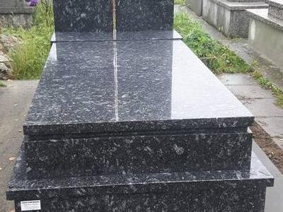 Grobowiec pojedynczy 3