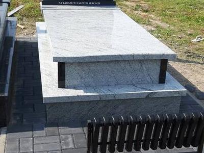 Grobowiec pojedynczy 8
